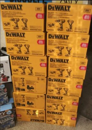DEWALT 20V MAX LITHIUM ION CORDLESS DRILL/IMPACT COMBO KIT (2TOOL)WITH (2) BATTERIES 1.5 AH CHARGER AND TOOL BAG for Sale in San Bernardino, CA