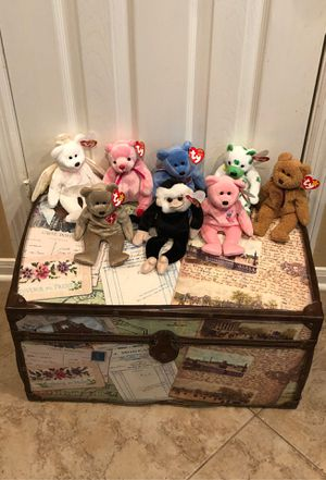 Trunk and ty beanie babies $50 for Sale in Katy, TX