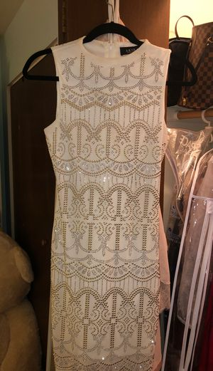 White and gold dress for Sale in Hinsdale, IL
