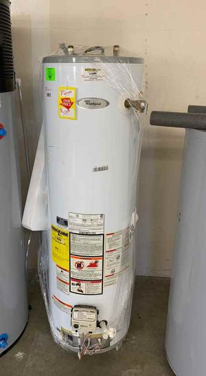WHIRLPOOL WATER HEATER WITH WARRANTY 40 gallons MHU for Sale in Rosemead, CA