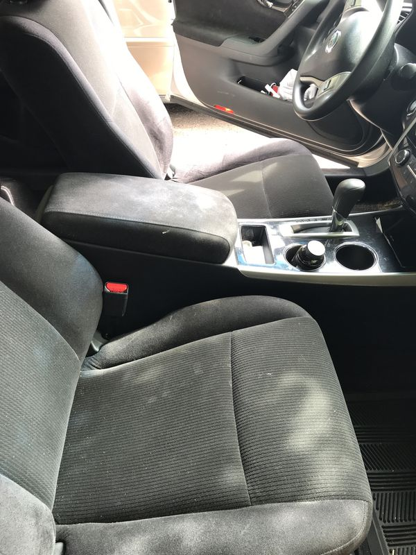2013 Nissan Altima in excellent condition!