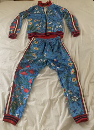 Large Gucci Tracksuit for Sale in Brooklyn, NY