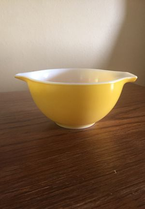 Vintage Pyrex nesting bowl for Sale in Seattle, WA
