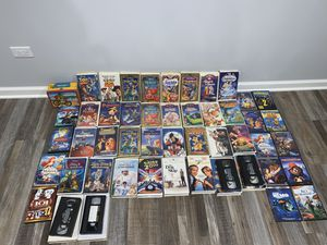 Lot of Disney movies/DVDs/Lunchbox for Sale in Elgin, IL