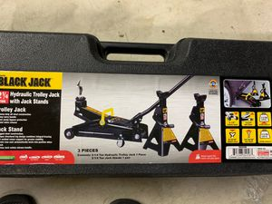 Black jack hydraulic trolley jack with jack stands for Sale in Dearborn Heights, MI