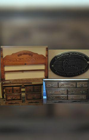 America Heirloom Oak bedroom set for Sale in Fresno, CA