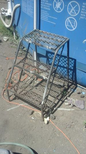 Metal steps 3' height with rolling wheels for Sale in Stockton, CA