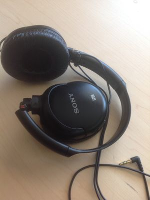 New Sony Noise Canceling Headphones, MDR-NC8. $19 firm. for Sale in Richardson, TX