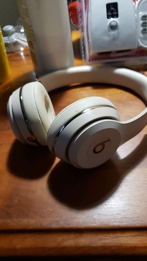 Beats by Dre Solo 3 rose gold color for Sale in Bondurant, IA