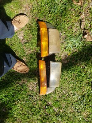 01 dodge Dakota headlights for Sale in Murfreesboro, TN