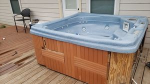 Hot tub for sale Must pick up for Sale in Hutto, TX