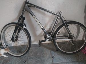 GIANT mountain bike being sold for parts for Sale in Phoenix, AZ