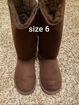 Womens boots size 6 for Sale in Vancouver, WA