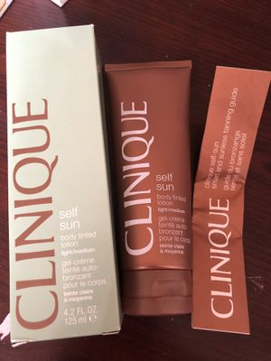 Clinique self sun body tinted lotion for Sale in New York, NY