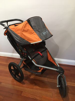 BOB collapsible jogging stroller. Easy to collapse and put away when not being used. for Sale in Falls Church, VA