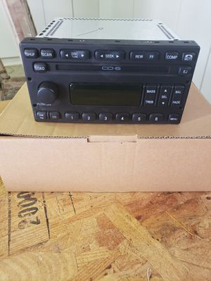 2003 F350 Radio w 6 cd changer for Sale in Henderson, NV
