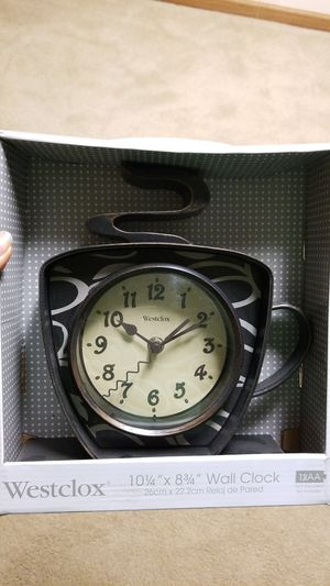 Small kitchen clock for Sale in Columbus, OH