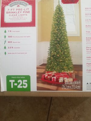 """Christmas tree 7"""" ft in box for Sale in Riverside, CA"""
