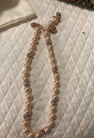 Kate spade pink pearl necklace and earrings for Sale in Charlotte, NC