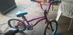 Girl bike with training wheels for Sale in Lawndale, CA