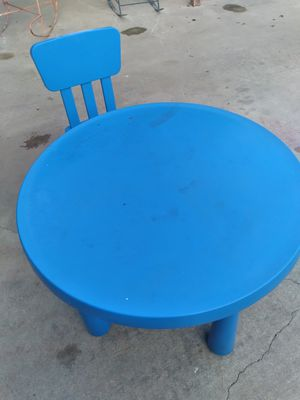 Kids table and one chair for Sale in Niederwald, TX