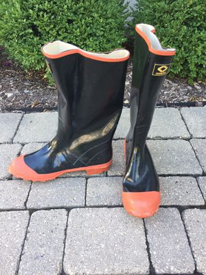 Diamond steel-toed work/rain boots for Sale in Westmont, IL