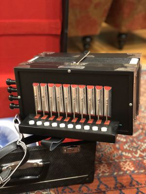 Accordion: Hohner Ariette (Diatonic accordion) for Sale in Freedom, CA