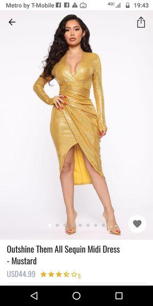 Vestido fashion nova size small for Sale in Long Beach, CA