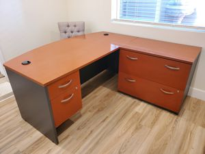 High Quality office desk and filling cabinet for Sale in Los Angeles, CA