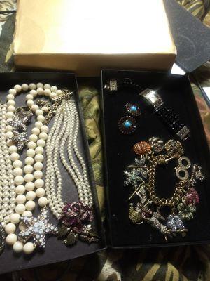 Heidi Daus mix of Jewelry Sets for Sale in Haysville, KS