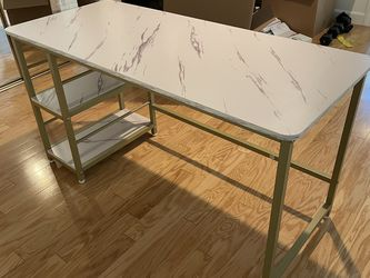 Desk With Hutch - Brand New - Never Used for Sale in Los Angeles,  CA
