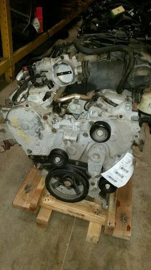 Chrysler Pacifica engine 3.5 2006 for Sale in Opa-locka, FL