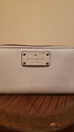 Kate Spade Wallet for Sale in Capitol Heights, MD