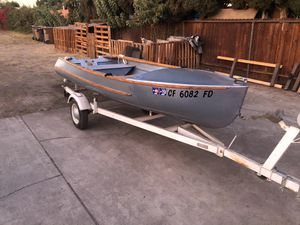 12' 007 Bond Bay Cruiser Boat w/ Trailer $850 or $1700 with 9.8HP outboard motor/boat/trailer set for Sale in Fullerton, CA
