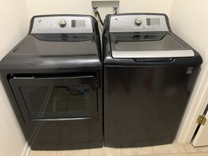 GE Washer/Dryer (Electric) for Sale in Lansing, MI
