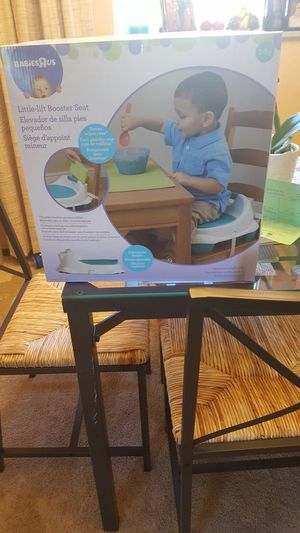 Toddler little lift booster seat for Sale in West Mifflin, PA