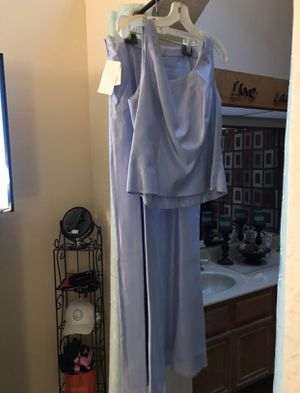 Never worn dress (size 16) with matching shoes and purse for Sale in Corona, CA
