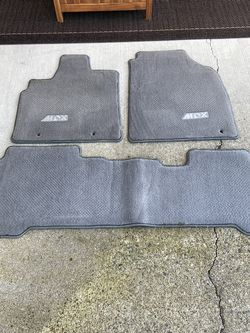 Acura MDX carpet floor mats - compatible with 2005 and 2006 model years. In really great shape. for Sale in Tacoma,  WA