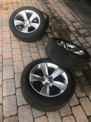 Dodge Challenger rims/tires for Sale in Orlando, FL