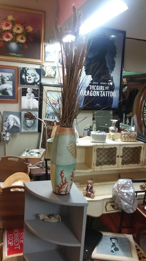 Two nautical flower vases. for Sale in Riverview, FL