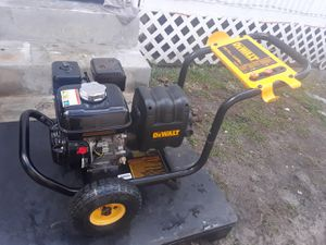 3100 PSI PRESSURE WASHER dewalt HONDA works perfect very strong ¡ not gun and hose ¡ only the machine¡ for Sale in Lake Worth, FL