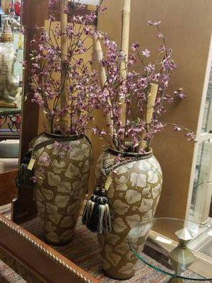 Designer Floor Vases with Silk Flowers - New in at Finding Treasures Lynnwood for Sale in Lynnwood, WA