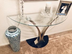 Half moon Entry Table for Sale in Las Vegas, NV