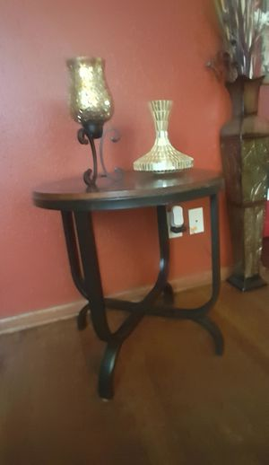 End round table for Sale in Wichita, KS