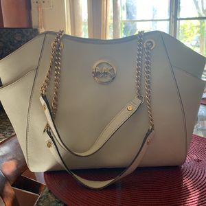Michael Kors Bag for Sale in Glendora, CA
