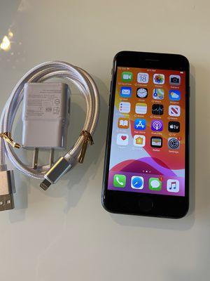 iPhone 8 black 64 GB factory unlock for Sale in Los Angeles, CA