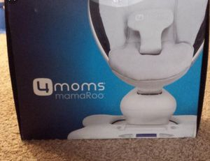 4 moms mamaroo swing/bouncer for Sale in Shoreline, WA