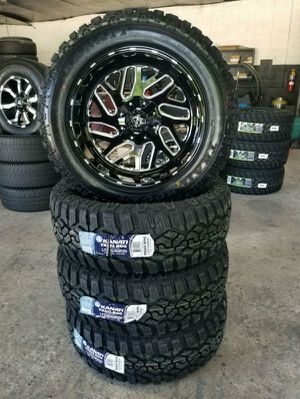 """20x10 Fuel D581 Triton 35"""" MT Wheel and Tire Package 5x5 Jeep Wrangler JK JL for Sale in Bartow, FL"""