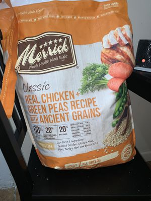 Merrill's classic chicken dog food for Sale in New York, NY