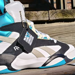 REEBOK THE PUMP SHAQ ATTAQ MEN SHOES SIZE 8 EXCELLENT USED CONDITION$120 for Sale in Cleveland, OH